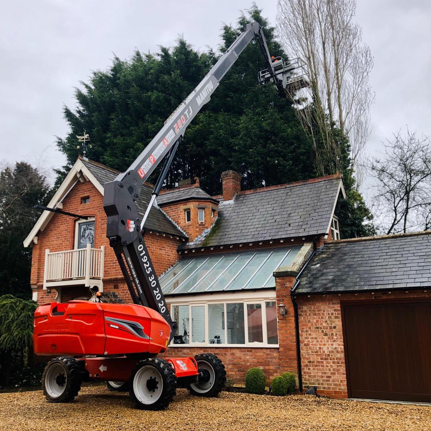 Tree Surgeon in Plumley